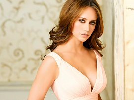 Jennifer Love Hewitt freefoto